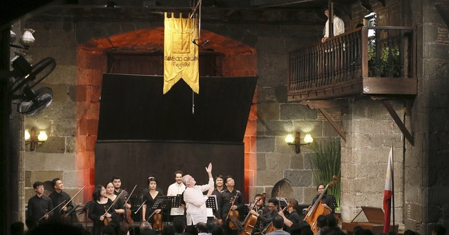 Waning funds may end Philippines' 40-year bamboo organ fest