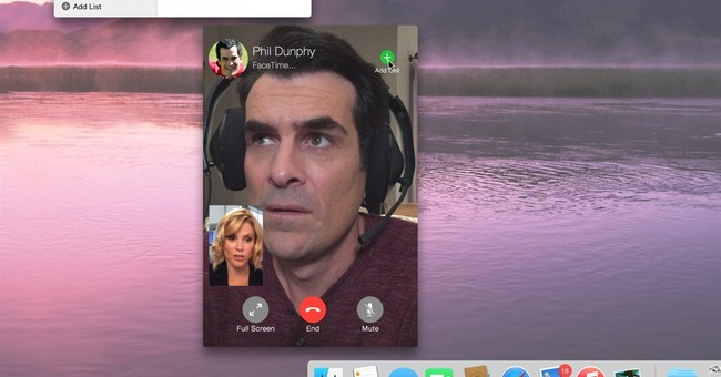 Review: Apple-centric 'Modern Family' goes beyond gimmicks