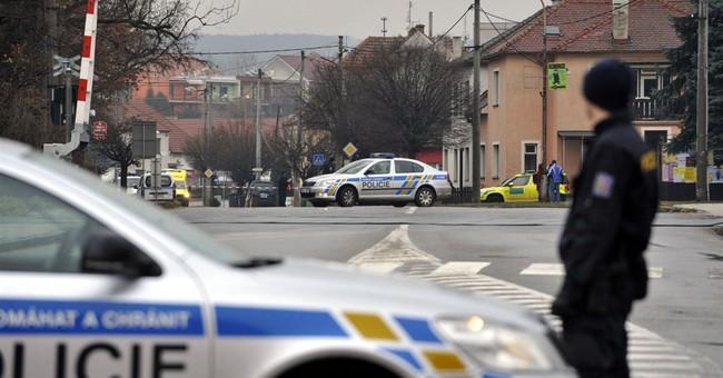 9 dead including gunman in Czech restaurant shooting