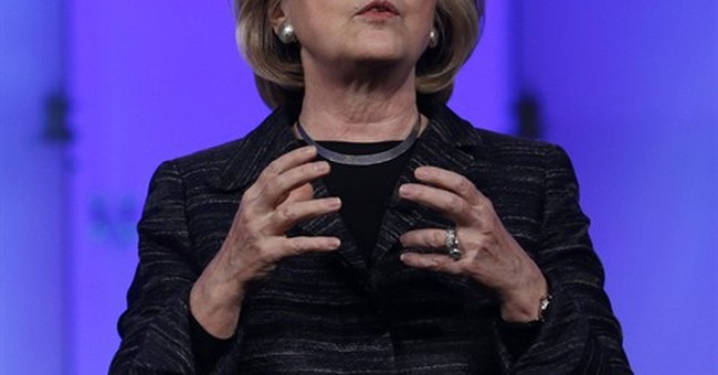 Preparing for campaign, Clinton seizes on bipartisanship