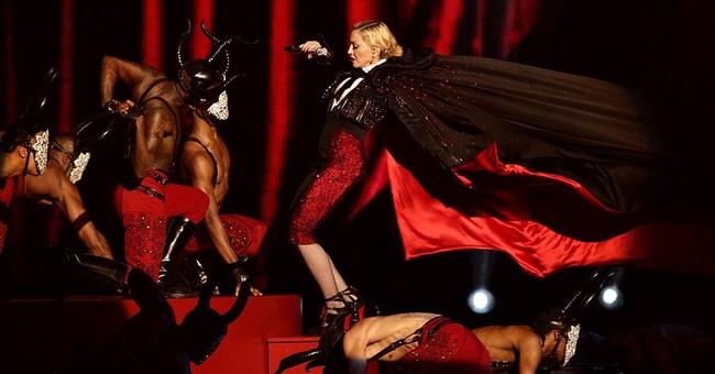 Madonna takes a tumble at the Brit Awards