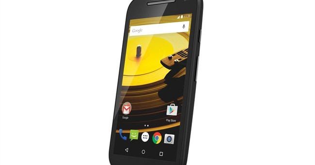 Motorola aims new phone at first-time smartphone buyers