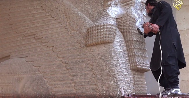 New IS video shows militants smashing ancient Iraq artifacts