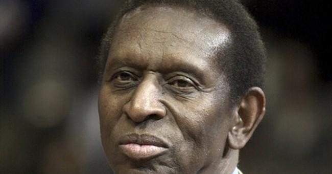 Earl Lloyd, 1st black player in NBA, dies at 86