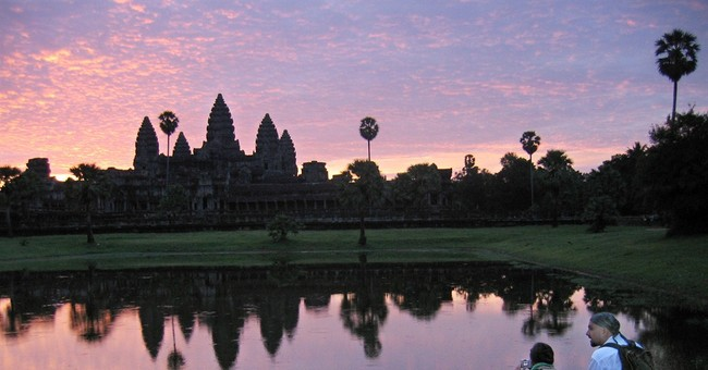 Cambodians angered over nude photo incidents at temples