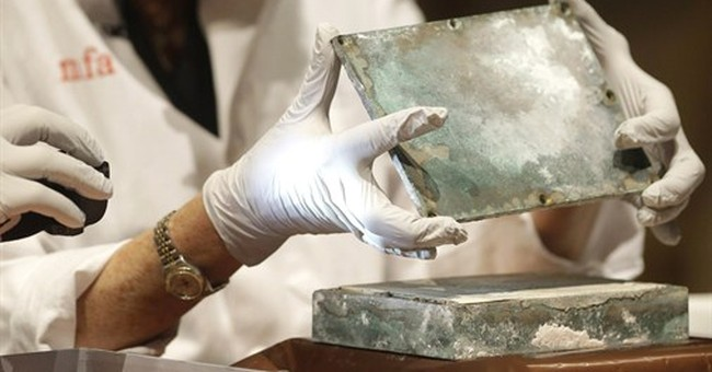 Time capsule dating to 1795 included coins, newspapers