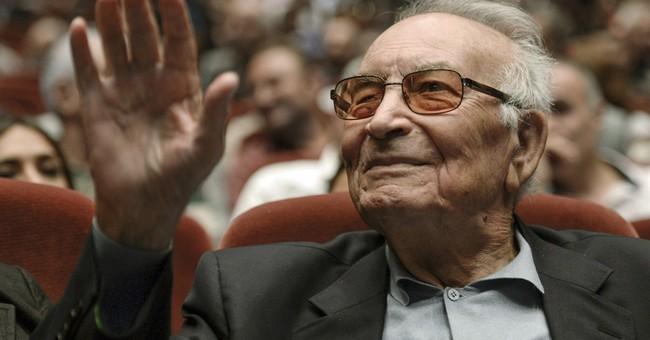 Thousands mourn Turkish novelist Yasar Kemal