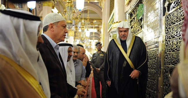 New Saudi king meets Turkey leader amid thaw in relations