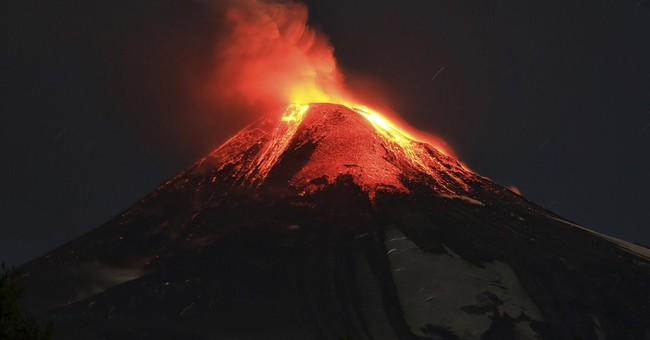 Villarrica volcano erupts in southern Chile, thousands flee