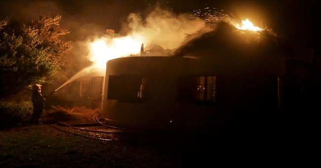 Wildfire in South Africa continues for a 4th day