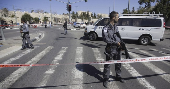 Palestinian assailant wounds 5 Israelis in car attack