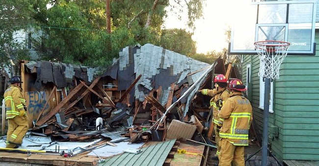 9 hurt in garage roof collapse at California college party