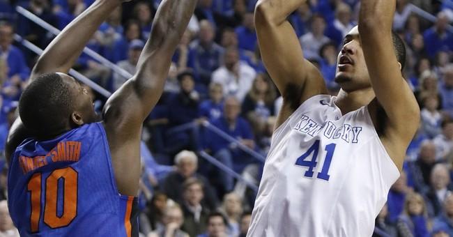 No. 1 Kentucky beats Florida 67-50 for 31-0 regular season