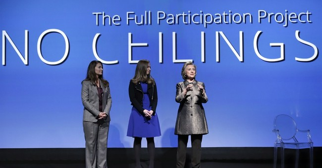 Clinton avoids email controversy at women's event