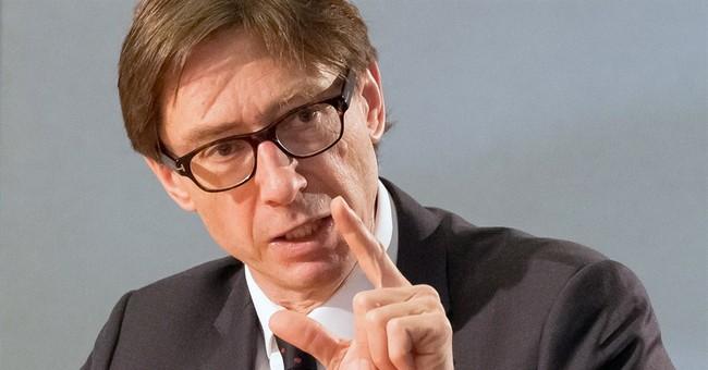 German ambassador: Obama agreed not to send arms to Ukraine