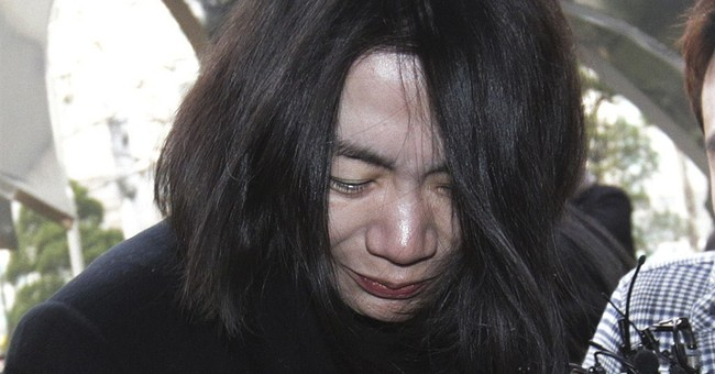 Nut rage flight attendant sues Korean Air, former exec