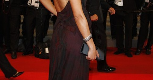 Mexico gets first Bond girl, Stephanie Sigman