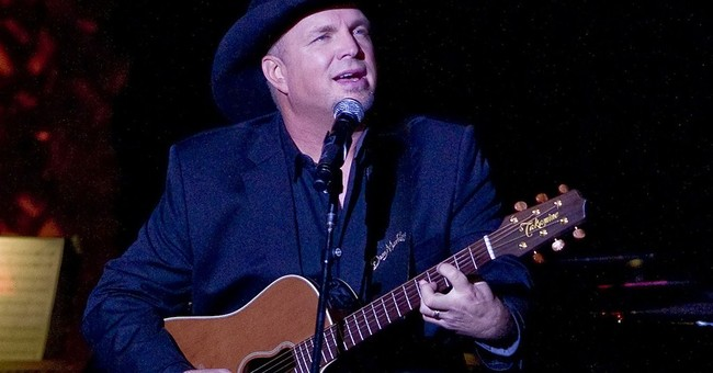 Garth Brooks, Luke Bryan, Lambert to perform at ACM Awards