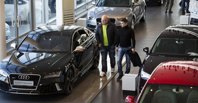 Russian auto market collapsing, but luxury cars still a must