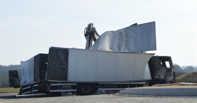 Gunmen stage jewel heist on French highway, trigger manhunt