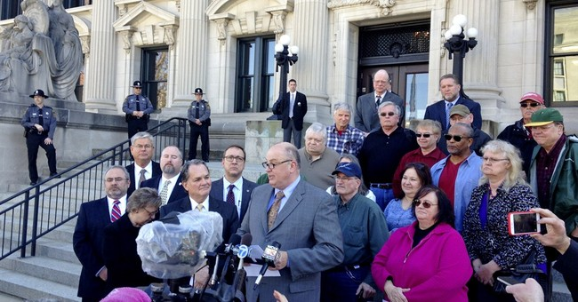 Illinois justices press state's lawyer on pension overhaul