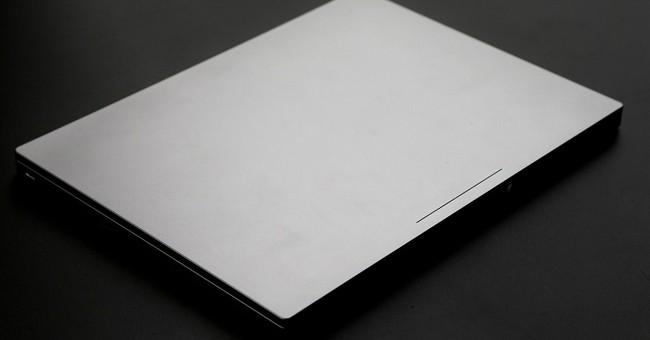Review: Google laptop impresses, but don't try it offline
