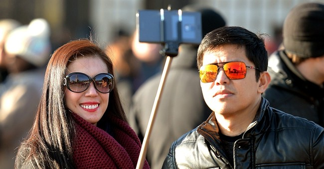 Selfie stick bans go into effect at French, UK attractions