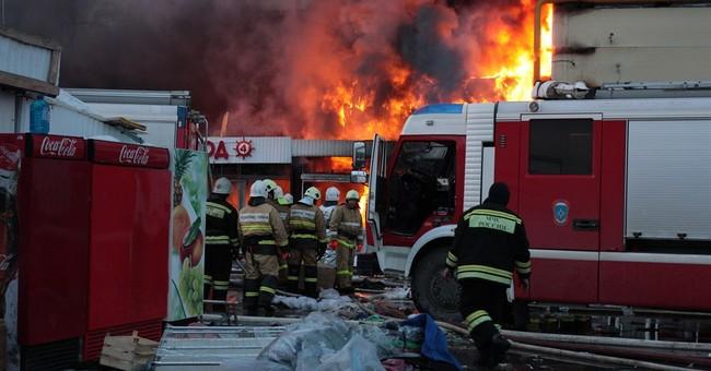 30 feared dead in Russian shopping center fire