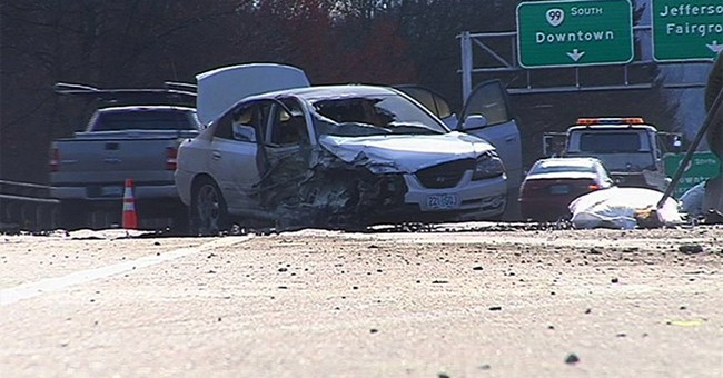 Police: Oregon driver sets herself on fire, jumps off bridge