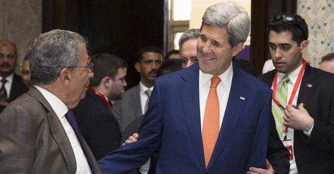 Kerry promotes US investment in Egypt; no new military aid