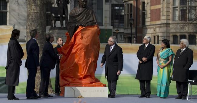 UK's Cameron unveils statue of Indian leader Gandhi