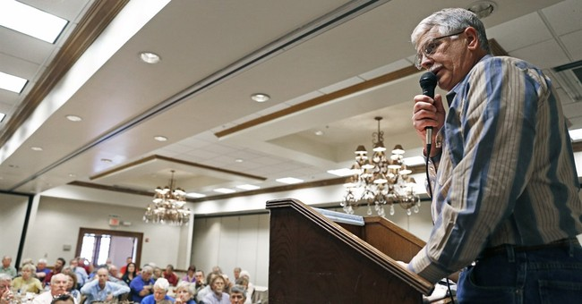 Father of slain aid worker speaks at New Mexico conference