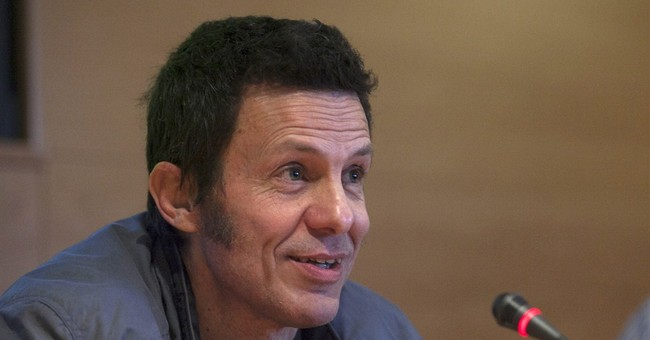 Ex-IS hostage describes mock executions while held in Syria