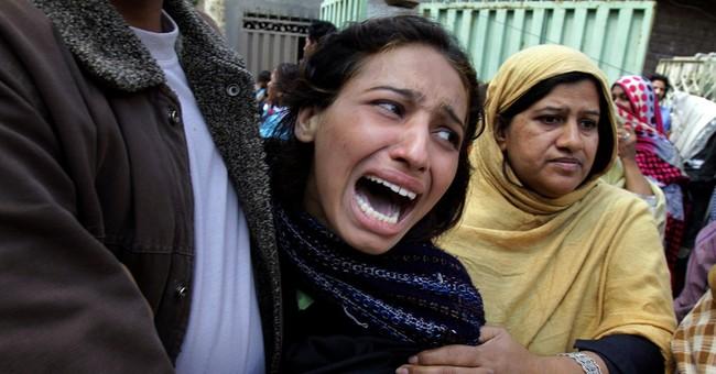 Suicide bombers kill 15 people outside Pakistani churches