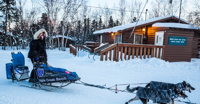 Burmeister reclaims lead of Iditarod after leaving Nulato