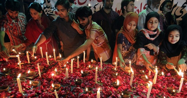 Pakistani Christians clash with police over church attacks