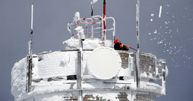 Extreme weather makes Mount Washington a hiking challenge