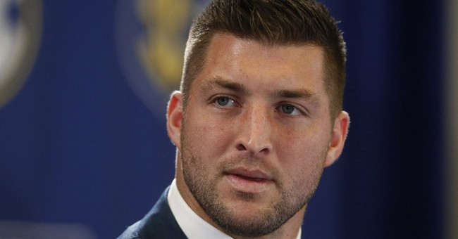AP Sources: Tim Tebow works out for Eagles