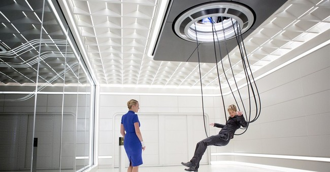 Winslet on the perks of not being pregnant in 'Insurgent'