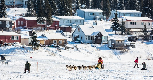 Dallas Seavey wins Iditarod in year marked by uncertainty