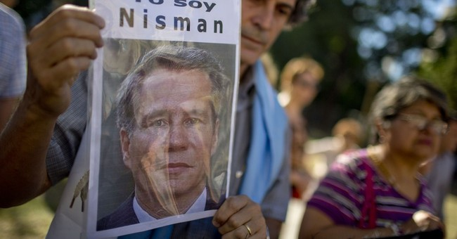Argentine gov't accuses late prosecutor of kickback scheme