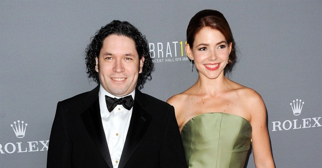 Wife of Los Angeles Philharmonic conductor files for divorce