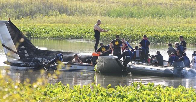 Argentine small plane crashes near Uruguay resort; 10 dead