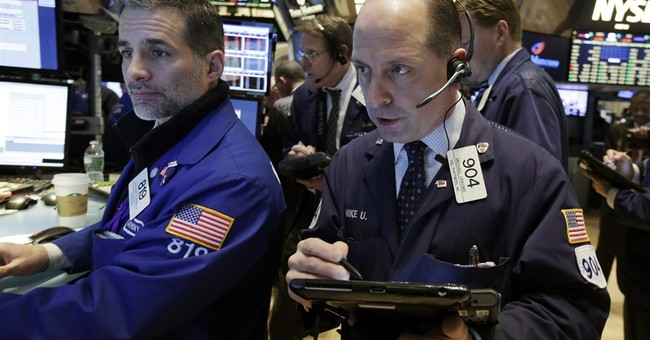 US stocks rise on rebound in oil, strong company results