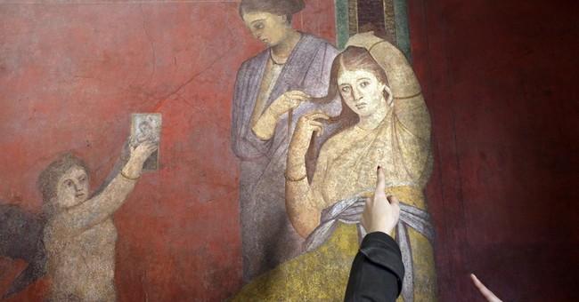 Italy shows off restored Pompeii villa as EU deadline looms