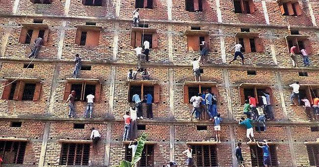 600 Indian students expelled for cheating on school exams