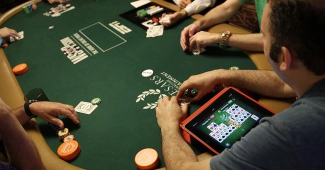Self-taught computer program finds super poker strategy