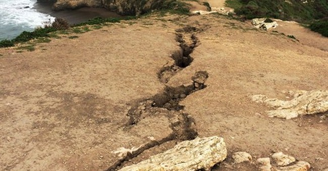 Cliff collapse at California hiking trail leaves 1 dead
