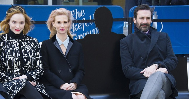 Selfie spot for 'Mad Men' fans: new Don Draper bench in NYC