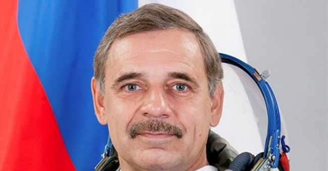 What to pack for year in space? A 'superhero utility belt'